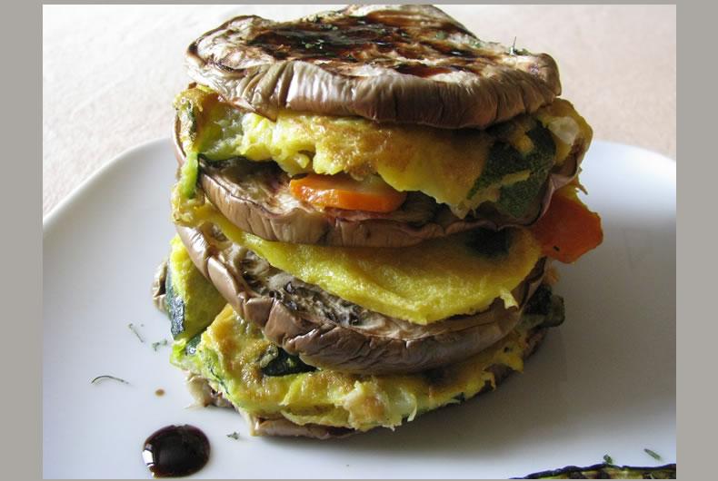 frittorre con frittata e verdure grigliate