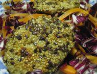hamburger di tacchino ricoperto di semi di coriandolo, cumino e lino