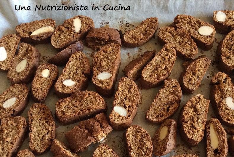 tozzetti senza glutine con mandorle e cioccolato