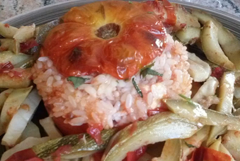 pomodori ripieni di riso al forno con verdure
