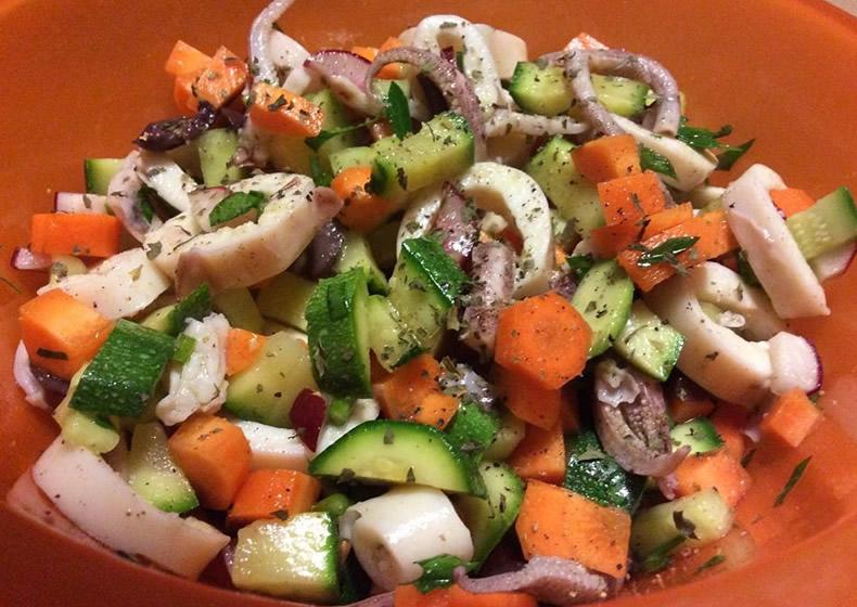 insalata di totani con zucchine e carote